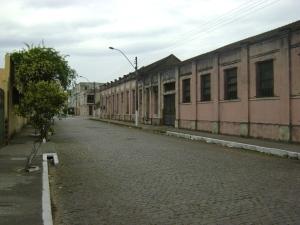 Foto do atual prédio do SANEP, o antigo prédio 104 da Rua Santa Cruz onde funcionava a Rede Hidráulica no Almoxarifado Central e à Seção de Reclamações de Águas e Esgotos.